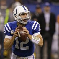 Colts reward Luck with $140 million, six-year contract