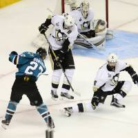 Donskoi goal puts Sharks back into Stanley Cup hunt