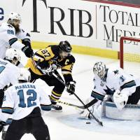 Jones keeps Sharks alive in Game 5