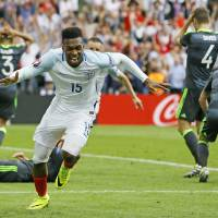 Hodgson's bold attitude puts England in favorable position