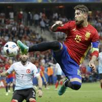 Italy, Spain advance at Euro 2016