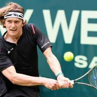 Rising teen star Zverev beats Federer