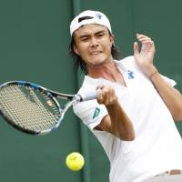 Nishikori practices after injury; Daniel falls to Monaco