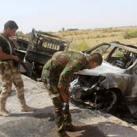 Islamic State convoys fleeing Fallujah caught out in open, blown to smithereens