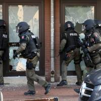 German police raid mosque and apartments in crackdown on Salafists