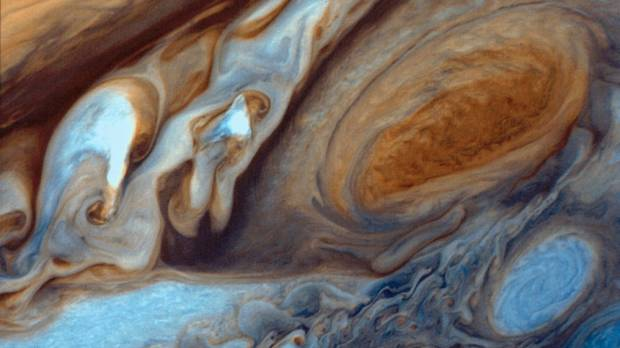 Great Red Spot storm heating Jupiter's atmosphere, study shows