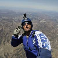 Sky diver becomes first person to jump and land safely without wearing a parachute