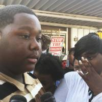 Son of Alton Sterling urges unity, peaceful protests