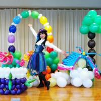Balloon artist pursues goal of spreading smiles through art