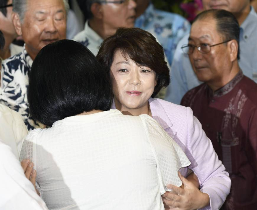 Okinawan minister Shimajiri ousted from Upper House by former Ginowan mayor