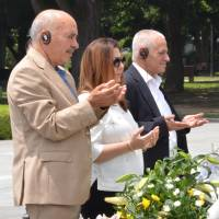Three representatives of the Tunisian National Dialogue Quartet, winner of the 2015 Nobel Peace Prize, on Friday pray before Hiroshima's cenotaph for victims of the 1945 U.S. atomic bombing of the city at Peace Memorial Park. | KYODO