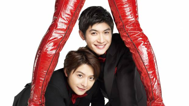 Teppei Koike and Haruma Miura strut proudly onto the stage in 'Kinky Boots'