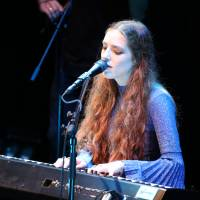 Sweet song: U.K. musician Birdy performs in Tokyo. | YUMA TOTSUKA / IN COOPERATION WITH BILLBOARD LIVE TOKYO