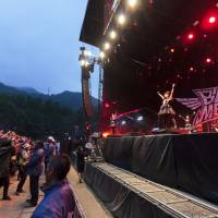 They've come to see the metal queens: Babymetal had one of the most anticipated sets at Fuji Rock, but it would've been nice for the band to do something different from its regular shows. | JAMES HADFIELD