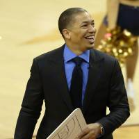 Cavs reward Lue with multiyear extension