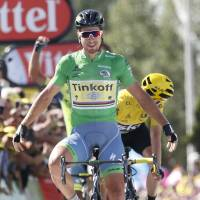 Sagan wins stage ahead of Froome