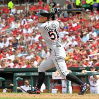 Ichiro's three-hit game puts him within six of 3,000 in MLB