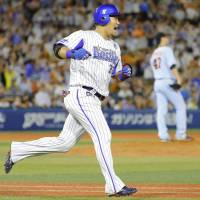BayStars' Tsutsugo delivers game-ending homer in 12th to conquer Giants