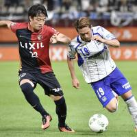 Gamba rout Antlers in opening week of second stage