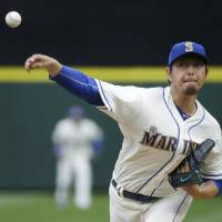 Mariners finish four-game sweep of Orioles
