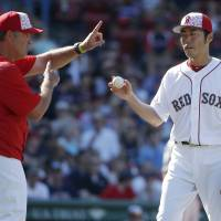 Fueled by doubles, Red Sox crush Rangers