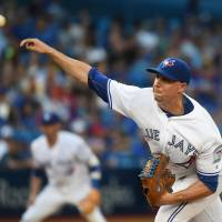 Blue Jays' Sanchez wins 10th straight