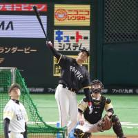 Fighters star Shohei Otani won the home run derby on Friday at Yafuoku Dome. | KYODO