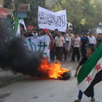 Rebels try to break Syria regime's siege of Aleppo