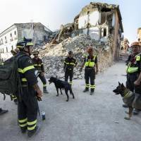 State relents after Italy quake survivors slam plan for taped mass funeral in faraway hangar