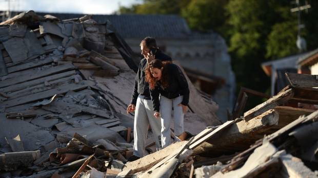 Powerful quake flattens villages in central Italy