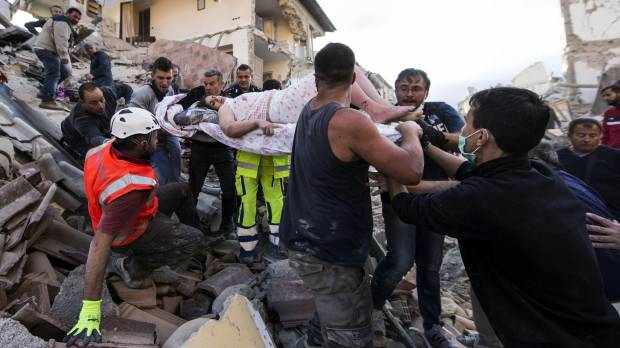 Renzi faces challenges over economy after death toll in wake of deadly quake nears 250