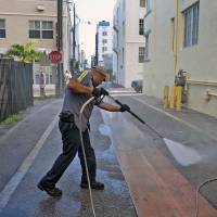 Zika may linger two years and Gulf Coast states most vulnerable: official