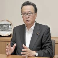 Risking political suicide, LDP veteran Funada challenges Abe over Constitution