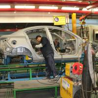 Japan automakers risk losing hold in massive Iranian market