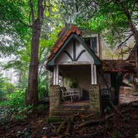 Royal House, an abandoned cottage in Hakone | JORDY MEOW