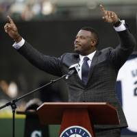 Griffey jersey retirement ceremony filled with emotional outpouring from fans