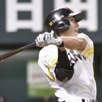 Hawks' Yanagita atones for Thursday miscue in series-opening triumph over Marines