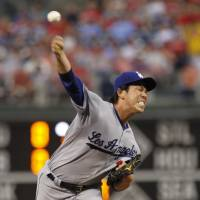 Maeda, Utley lift Dodgers in Philly
