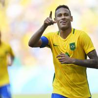 Brazilians re-embrace Neymar as home team moves closer to elusive gold