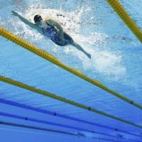 Ledecky wins 800 free in romp