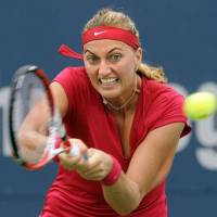 Kvitova, Radwanska advance in New Haven
