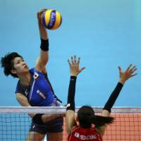 South Korea rallies past Japan in opening match