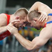 Snyder becomes youngest U.S. Olympic wrestling gold medalist