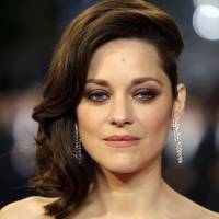 Actress Marion Cotillard denies romance with Brad Pitt