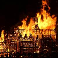 Artist-created London model on Thames torched to mark 1666 Great Fire