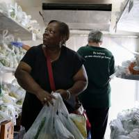 Doctors 'prescribe' fresh produce with help from America's food banks