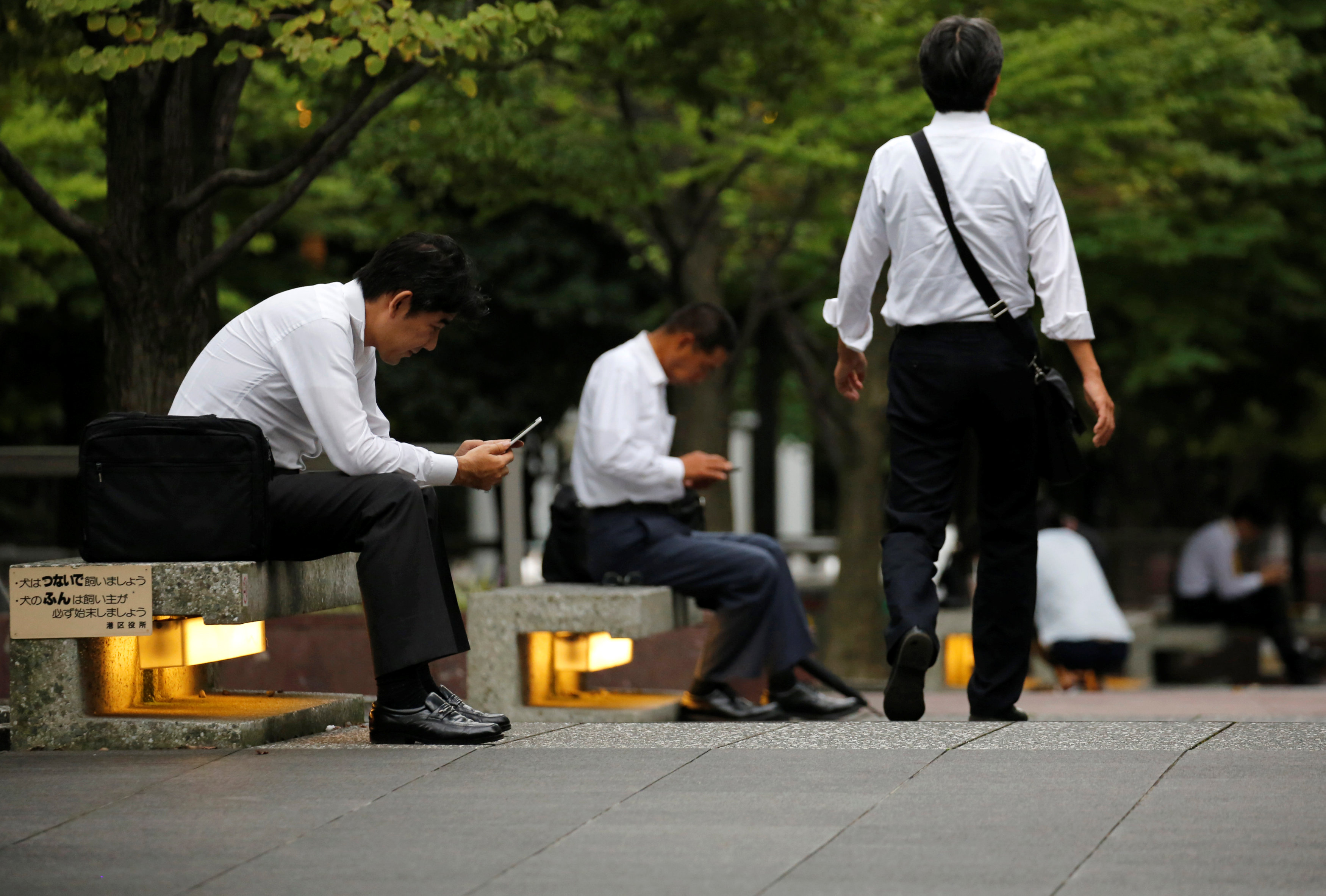 Low labor market mobility has limited overall wage gains, Capital Economics said in a recent report. | REUTERS