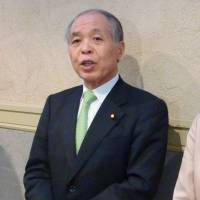 Key Abe adviser urges 'realistic approach' to islet talks with Russia