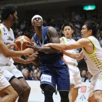 Sunrockers finish strong to sink B-Corsairs