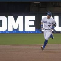 Blue Jays stay atop wild-card perch